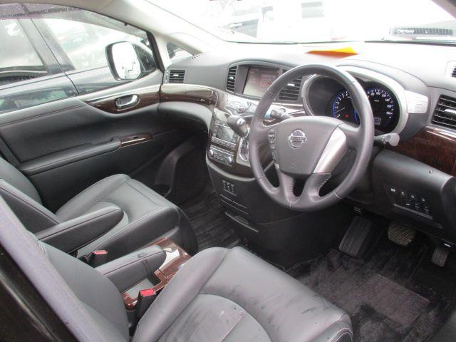 2011-nissan-elgrand-e52-vip-2wd-3-5l-interior-2
