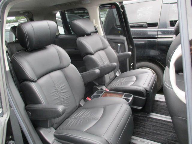 2011-nissan-elgrand-e52-vip-2wd-3-5l-interior-3