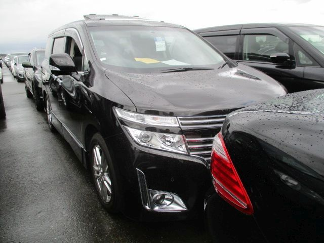 2011-nissan-elgrand-e52-vip-2wd-3-5l-right-front