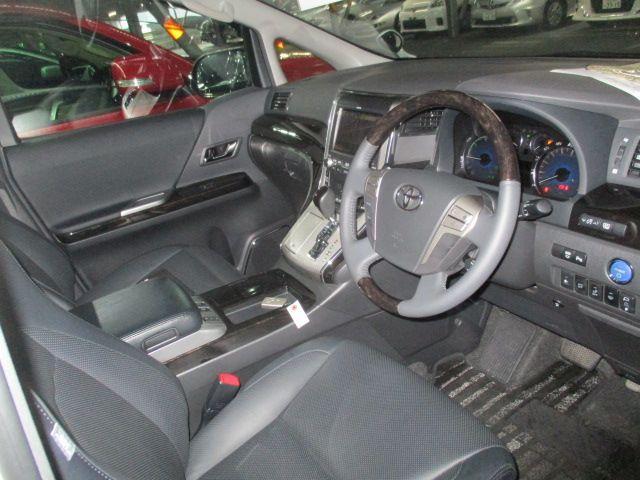 2014-toyota-vellfire-hybrid-zr-g-edition-2-4l-4wd-27