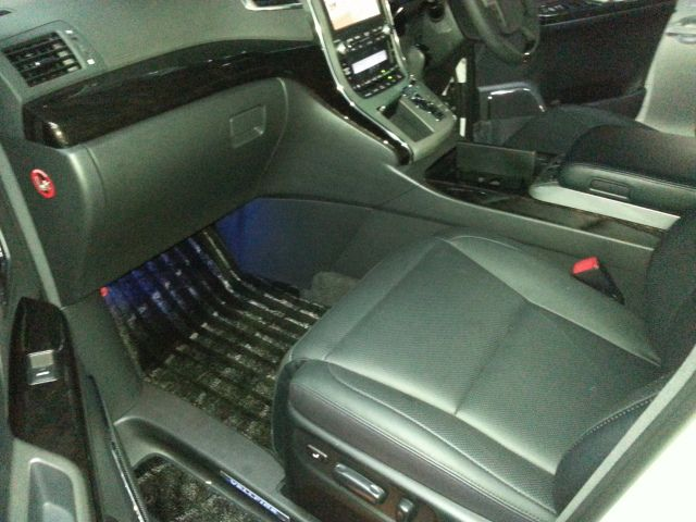 2014-toyota-vellfire-hybrid-zr-g-edition-2-4l-4wd-33