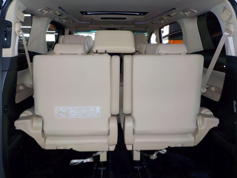 2016-toyota-alphard-hybrid-executive-lounge-30-series-rear-seats