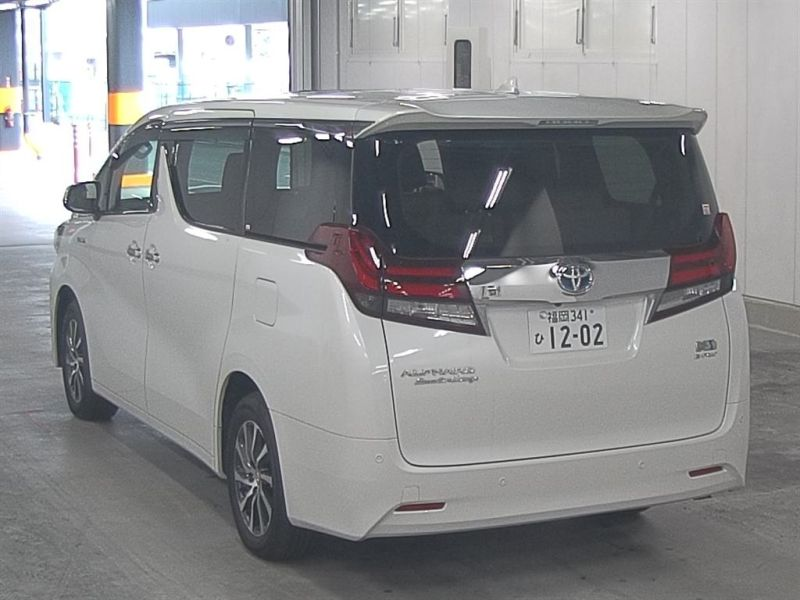 2016-toyota-alphard-hybrid-executive-lounge-30-series-rear