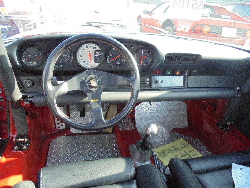 1981 Porsche 911 coupe interior