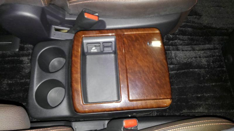 2011 Nissan Elgrand 350 E52 Highway Star Premium 2WD 3.5L centre console