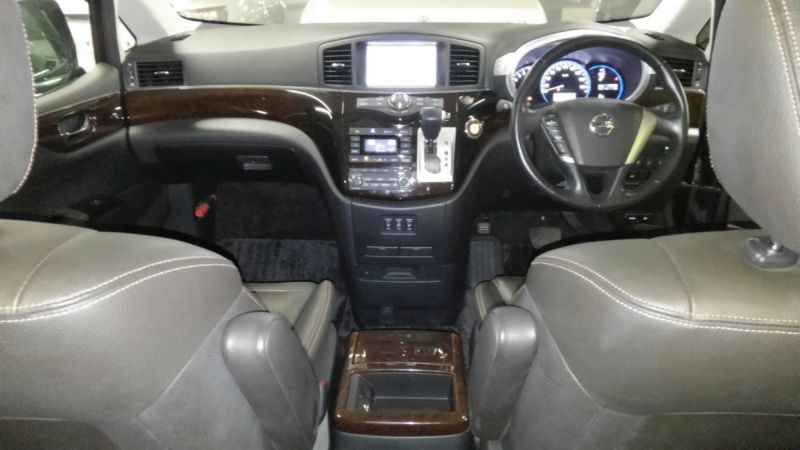 2011 Nissan Elgrand 350 E52 Highway Star Premium 2WD 3.5L inside