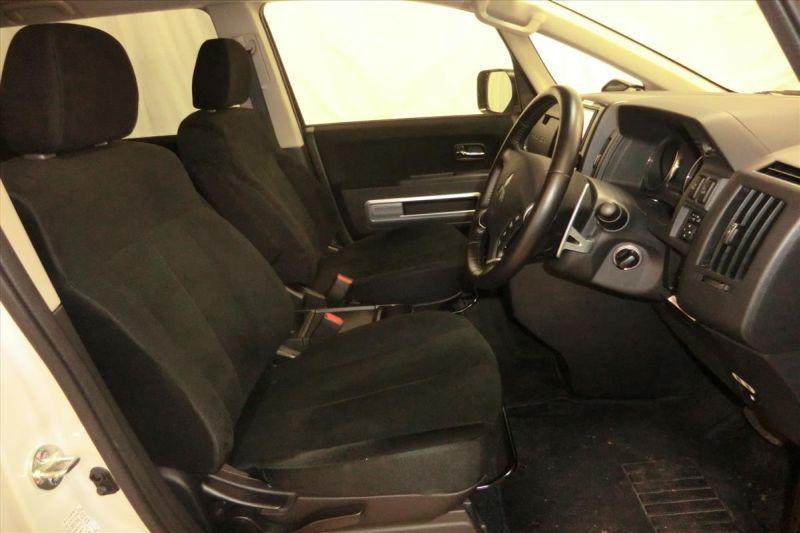 2016 Mitsubishi Delica D5 diesel CV1W 4WD front seat