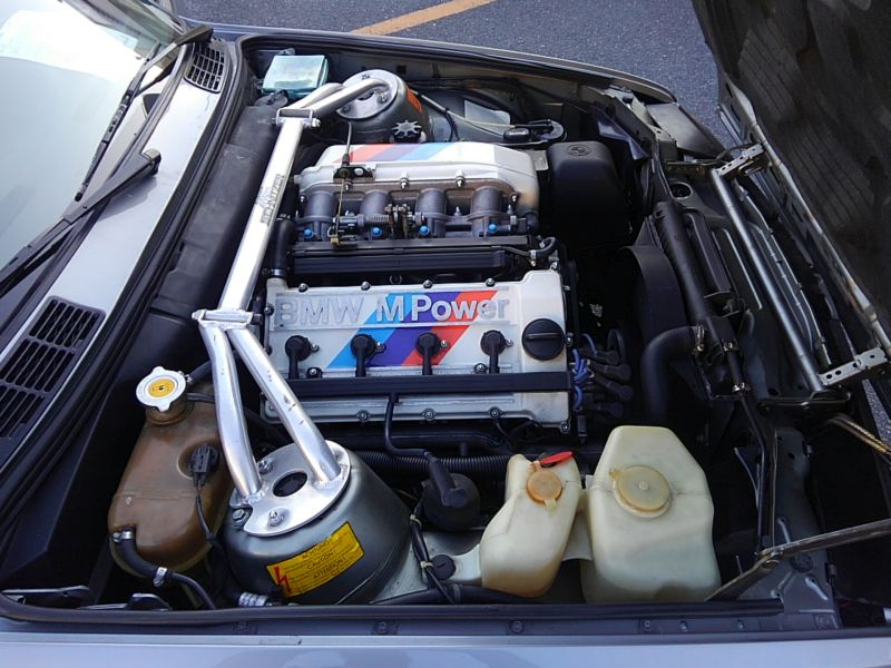 1987 BMW M3 E30 coupe engine