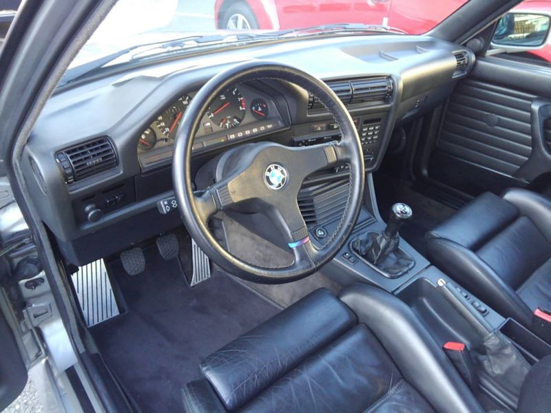 1987 BMW M3 E30 coupe interior 1