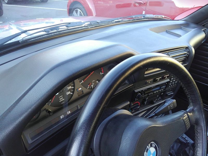 1987 BMW M3 E30 coupe interior 2