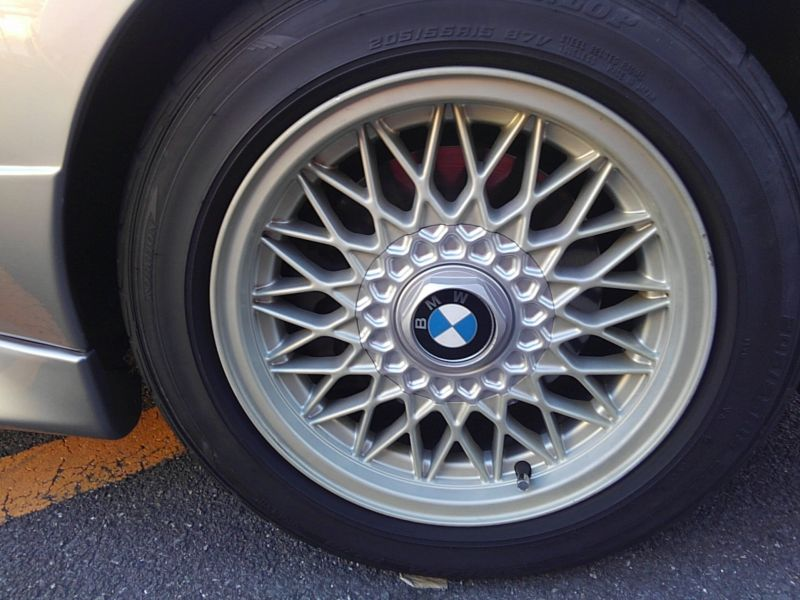 1987 BMW M3 E30 coupe wheel 2