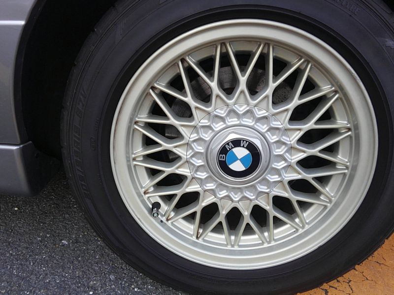 1987 BMW M3 E30 coupe wheel 4