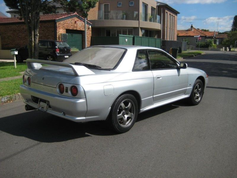 1993 R32 GTR silver right rear