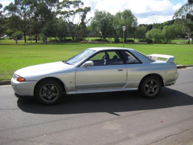 1993 R32 GTR silver side