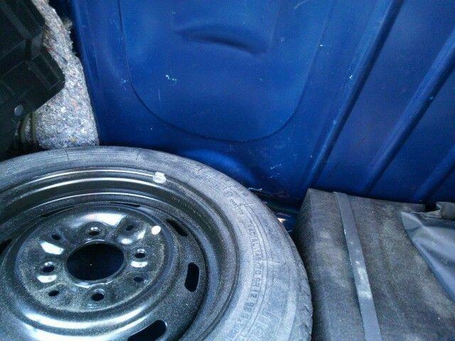 1999 Rover Mini Cooper spare tyre