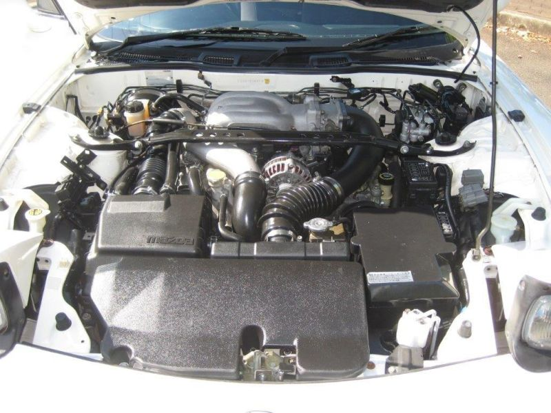 2000 Mazda RX-7 RS engine