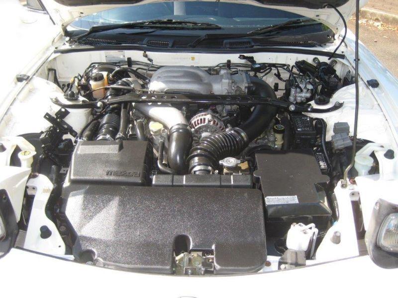 2000 Mazda RX-7 RS engine