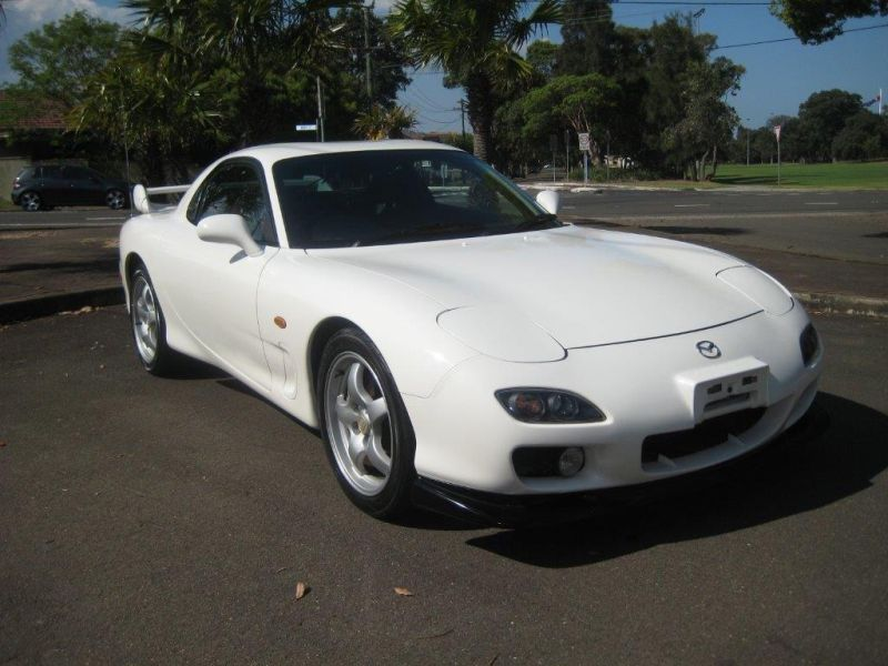 2000 Mazda RX-7 RS front right