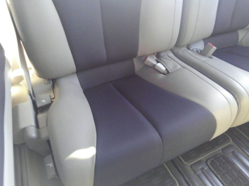 2003 Nissan Elgrand E51 Highway Star 2WD seat closeup
