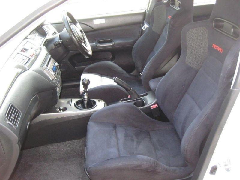 2004 Mitsubishi Lancer EVO 8 GSR white interior