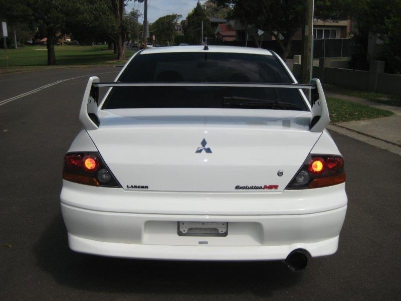 2004 Mitsubishi Lancer EVO 8 GSR white rear