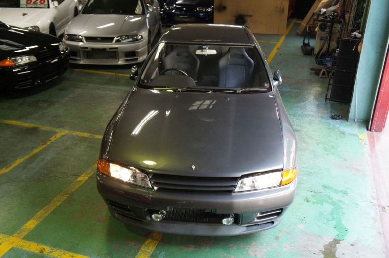 grey aug 1992 r32 GTR front at Japan GTR Specialist