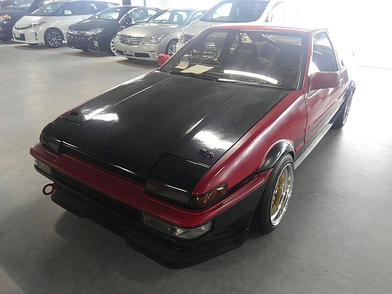 1985 Toyota Sprinter GT APEX AE86 left front