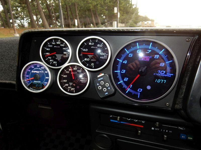 1985 Toyota Sprinter Treuno AE86 GT APEX gauges