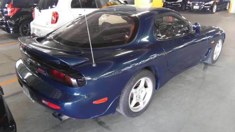 1992 Mazda RX-7 Type R right rear