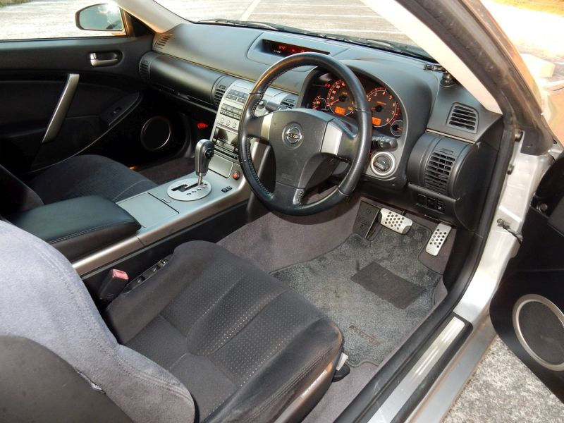 2003 Nissan Skyline V35 350GT coupe interior