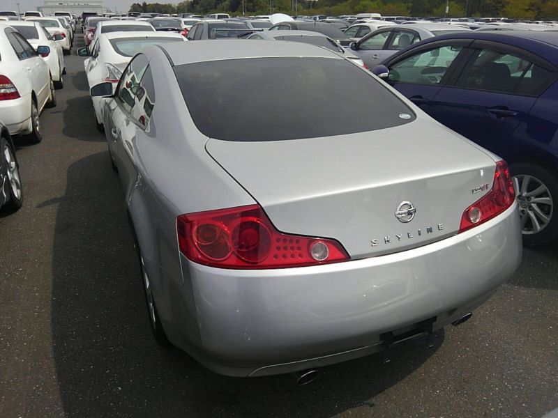 V35 350GT 70th Anniversary left rear 2