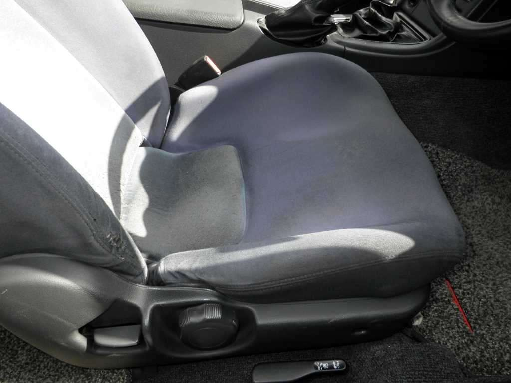 1993 Nissan Skyline R32 GTR VSpec driver seat