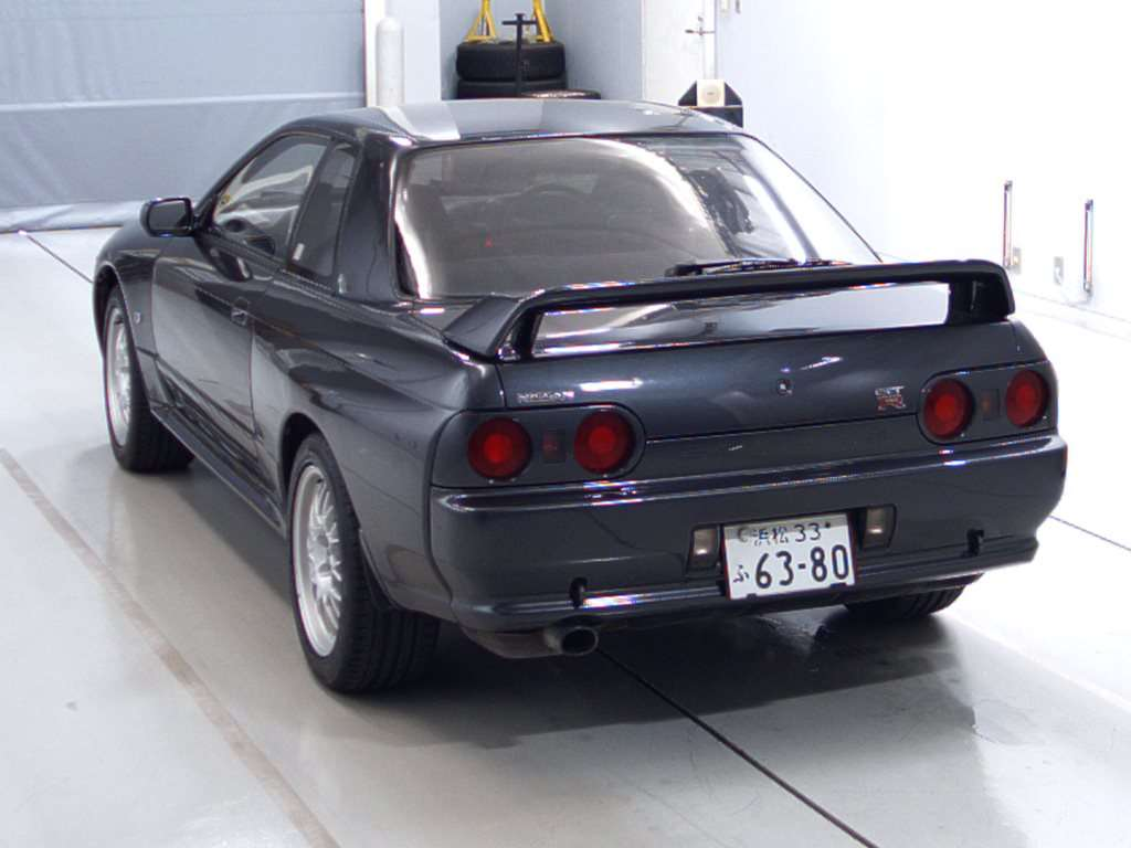 1993 Nissan Skyline R32 GTR VSpec left rear