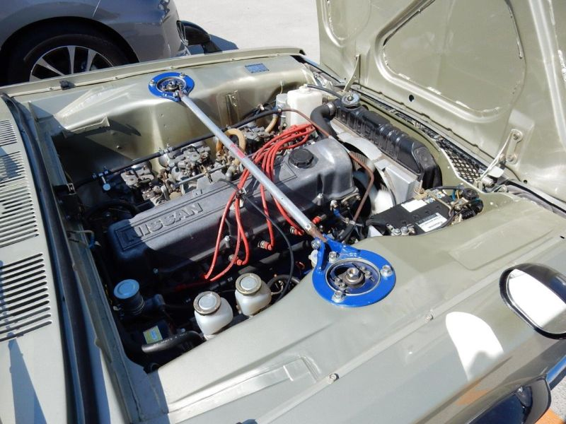 Hakosuka 1971 Nissan Skyline KGC10 coupe engine 6