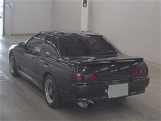 1990 Nissan Skyline R32 GTS-t auction rear