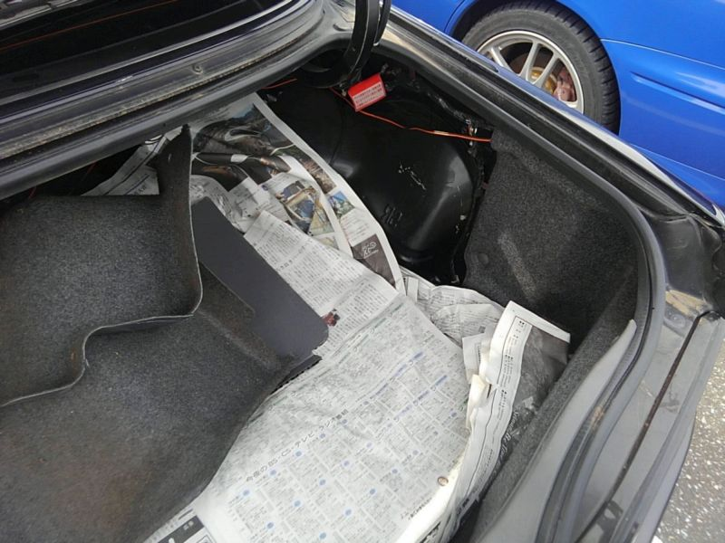 1990 Nissan Skyline R32 GTS-t boot 2