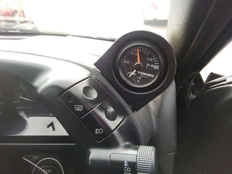 1990 Nissan Skyline R32 GTS-t gauge
