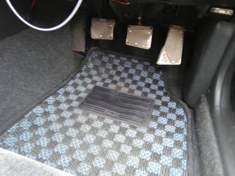 1990 Nissan Skyline R32 GTS-t pedals