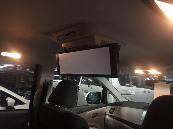 2008 Toyota Estima Aeras rear tv screen