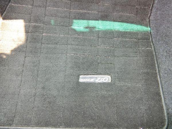 2011 Toyota Mark X Zio 350G Wagon floor carpet