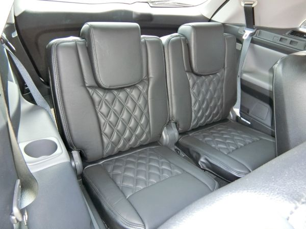 2011 Toyota Mark X Zio 350G Wagon rear seats 6