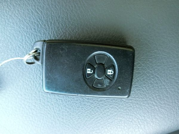 2011 Toyota Mark X Zio 350G Wagon remote control key