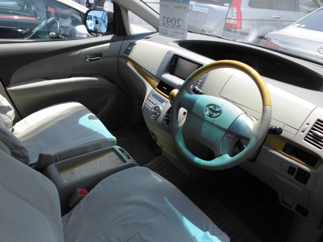 2007 Toyota Estima 2WD 7 seater G Package interior