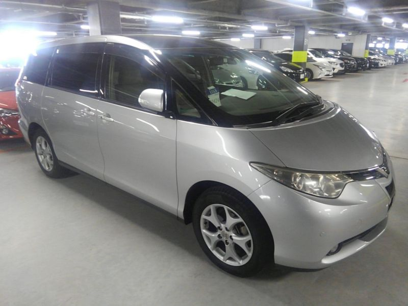 2008 Toyota Estima 4WD 7 seater right front