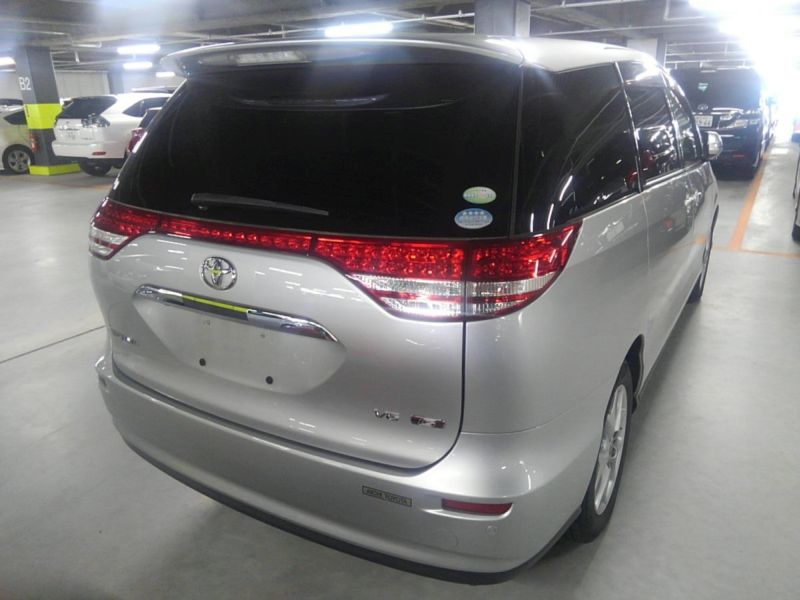 2008 Toyota Estima 4WD 7 seater right rear