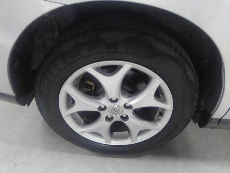 2008 Toyota Estima 4WD 7 seater wheel