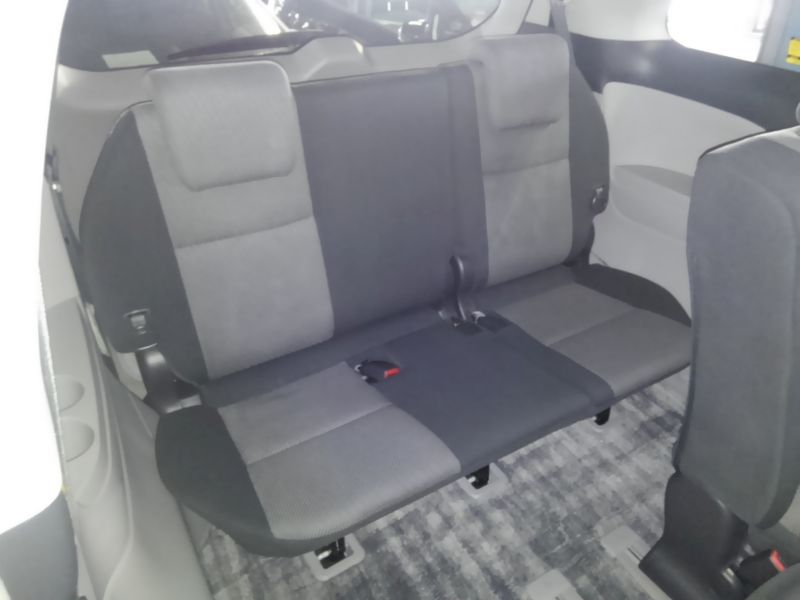 2008 Toyota Estima Areas S 2WD 8 seater interior 4
