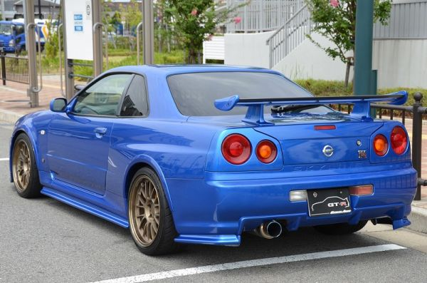 2000 R34 GTR in Bayside Blue at Global Auto Osaka 4