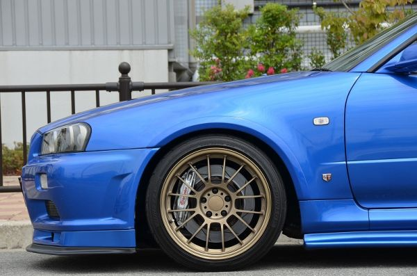 2000 R34 GTR in Bayside Blue at Global Auto Osaka 7