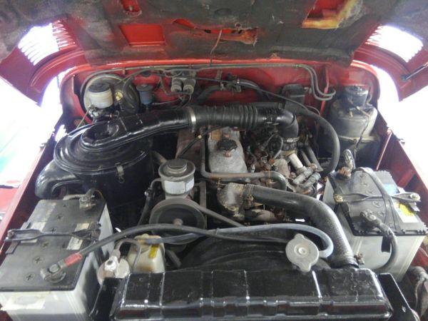 1984 Toyota Land Cruiser BJ46 Long engine 4